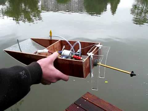 Self made electric RC boat run 2