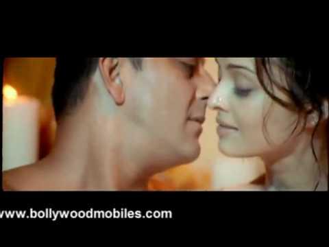 Aishwarya's unseen hot scene from 'Shabd'