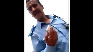 فضيحة شرطي مغربي يتحرش بفتاة في الشارع ويريد ربط علاقة معها