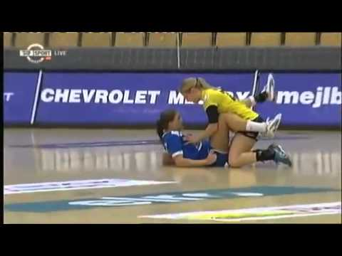 LESBIAN, This girl touch another girl during a Game ...