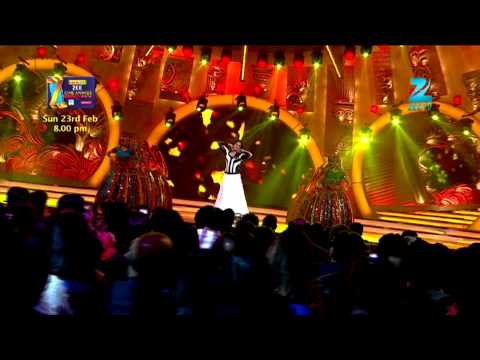 Zee Cine Awards 2014 - Watch Sonakshi Doing Gandi Baat