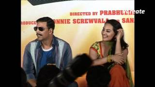 akshay kumar speaks in funny marathi language.