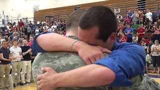 Soldiers Coming Home Surprise Compilation 28
