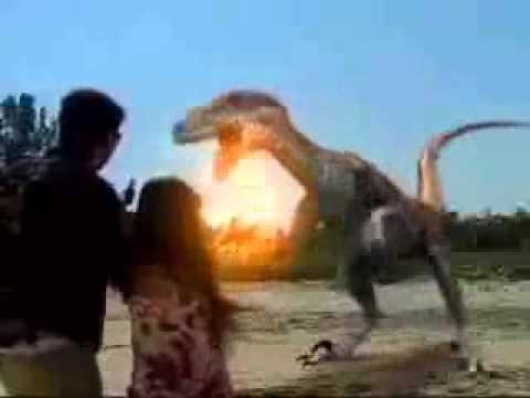 tatiana enfrenta dinossauro