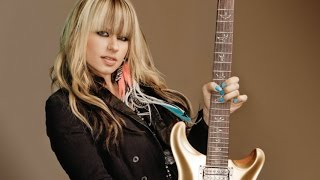 Top 10 Female Guitarists of All Time