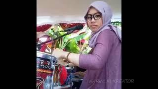 Cewek Jilbab ini Jago Banget Main... GENDANG & Nyanyi