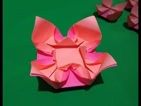 Easy origami flower. Easy and rich paper flower. Ideas for Christmas