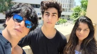 Shahrukh Khan's Selfie with His Son Aryan and Daughter Suhana | New Bollywood Movies News 2015