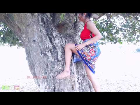 Wow !! Amazing Beautiful girl catch water snake - How to catch water snake in my Country