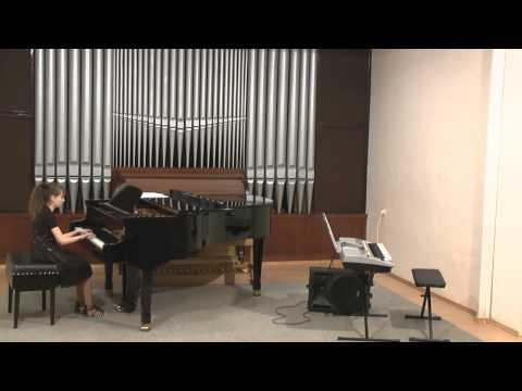 Aneta Uvírová hraje na třídní předehrávce I. Unčovského ZUŠ Krnov 5.3.2014