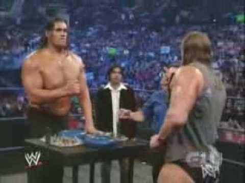 Triple H vs The Great Khali - Arm Wrestling