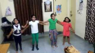 India waale dance frm Little Lady Movers Group.