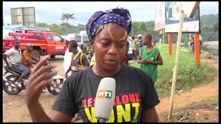 Axe Adjamé-Yopougon: un mini car en provenance de Yopougon-gesco termine sa course sous le pont.