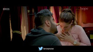 Arjun Kapoor Pressing Kareena kapoor boobs : Hot scene from Ki & Ka