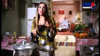 شوف ريم البارودى وهى بتهزاء جوزها فى مشهد اخر كوميديا من مسلسل دلع بنات