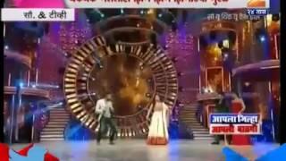 Ritesh Deshmukh   Madhuri Dixit  Akshay Kumar   dancing on zingat song   Sairat movie  