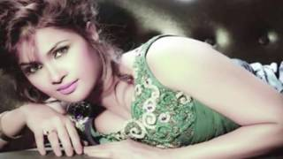 পরিচালকের জিহ্বা ছিঁড়ে ফেলার হুমকি সিমলার Bd actress Shimla