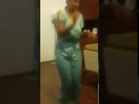 Tamil hot aunty dancing whatsapp viral video