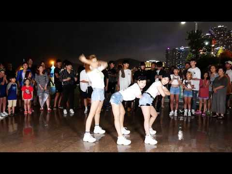 Download Lagu 2018/08/15💎EP193💎 부산 해운대 버스킹 AF SHOW! 태풍오는거 실화야? (춤추는곰돌:AF STARZ) MP3
