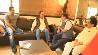 INSIDE Video: Nitin Gadkari Meets Salman Khan @House GalaxyApts In Bandra To Show Modi
