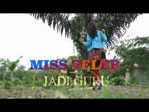 Miss Seleb Jadi Guru