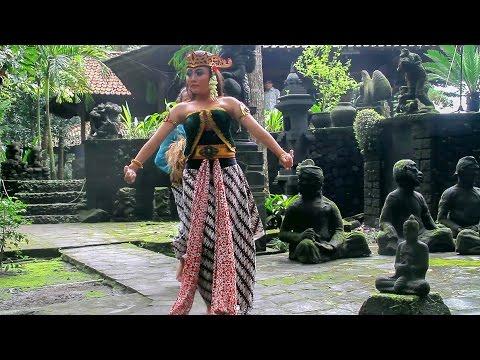 Gunung Merapi dan Legenda Mbok Turah