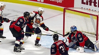 Foegele quick with his hands, feet on Otters go-ahead goal