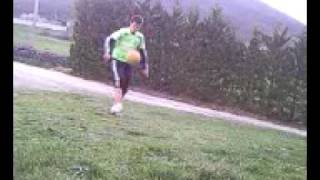 Rémi tape des jongles.3gp