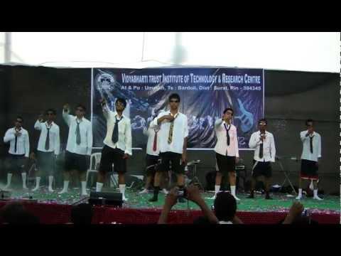 funniest college dance at vidyabharti campus bardoli.MP4