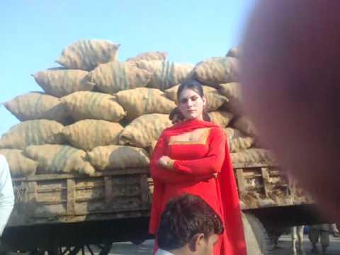 Xxx Mp4 Beautifull Hijra In Lahore Sabzi Mandi 3gp Sex