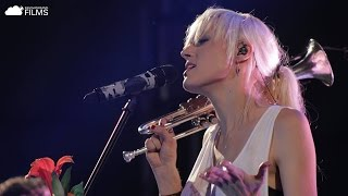 Jenny and the Mexicats - Verde Más Allá (En Vivo)