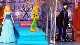 Maleficent vs Peter Pan ! Toys and Dolls Fun for Kids Playing with Lights Castle | SWTAD