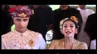 Menikah Dengan Adat Hindu, Happy Salma Ogah Komentar Soal Keyakinan - CumiCumi.com