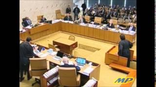 Joaquim Barbosa expulsa advogado de Genoino do plenário do STF