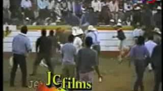 33 MUERTES (DEL JARIPEO) CANCIÓN 25 Y 26 :LA TUMBA DE VILLA+/LA DISCUSION FUE UNA YEGUA*