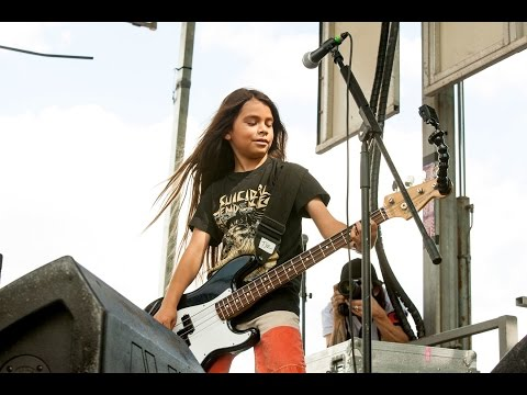 Korn Introduces 12-Year-Old Bassist
