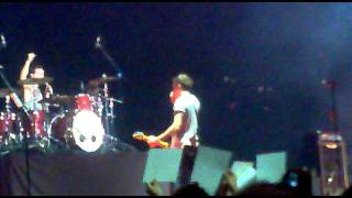 22.06.11 CCME McFLY - Speaking Spanish + oé