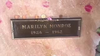 Merilyn Monroe Grave