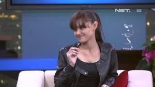 Sarah Sechan - Zee Zee Sahab