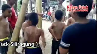 LOMBA LARI POCONG DAN PANJAT POHON PISANG By Daniya Shooting Siliragung