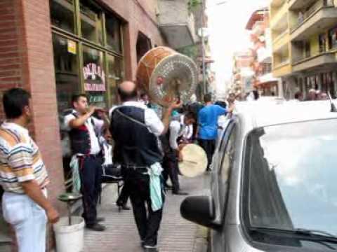 Ayancık sokaklarında Davul Zurna Sesi