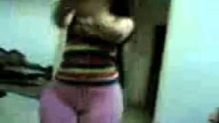 hot arab dance (Funny Arab girl بنات عرب  سعوديات)