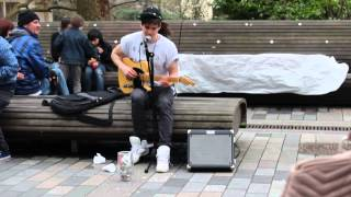 AMAZING and talented street singer in Brighton