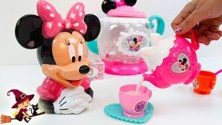 Minnie Recibe un Regalo de Mickey Mouse