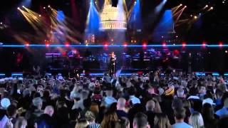 Rihanna Live at The Concert For Valor 2014 HD Diamonds, Stay and Monster feat  Eminem