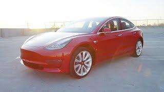 Driving a Tesla Model 3! [Auto Focus Ep. 1]