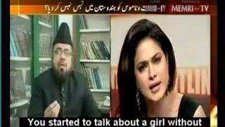 Veena Malik vs Mufti Qavi • © 2011 Express News TV (Pakistan)