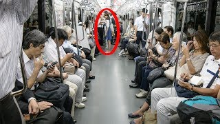 هذه الفتاة تركت مكانها لرجل عجوز ....و بعد دقيقة واحدة فعلت ما لم يتوقعه أحد !!