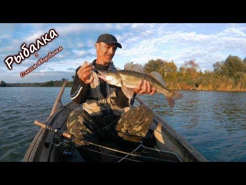 лов рыбы с лодки на течении в проводку ютуб