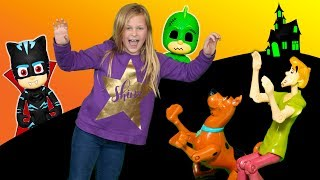 PJ Masks and the Assistant Scares Scooby Doo and Shaggy at the Spooky House
